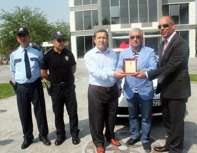 Uludağ OSB, Gürsü İlçe Emniyet Müdürlüğü'ne otomobil hibe etti