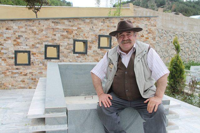 Oyuncu Yakup Yavru, memleketi Amasya'da kendisine mezar yaptırdı