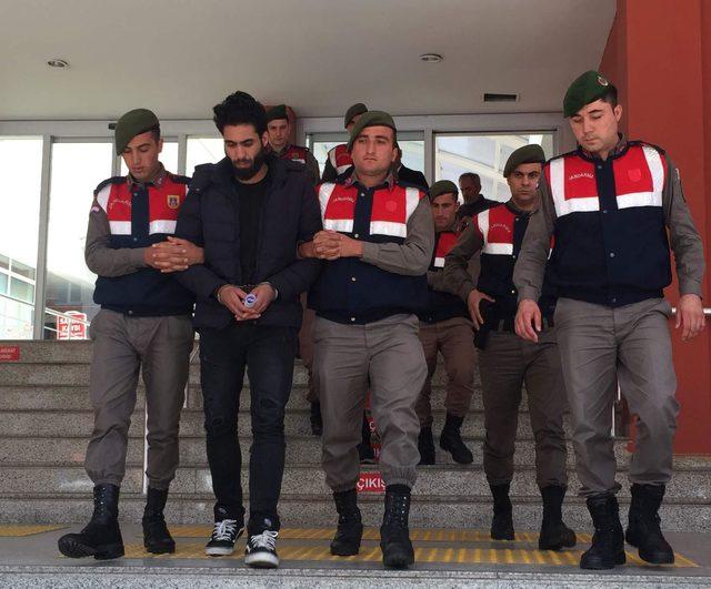 Kocaeli'de yakalanan 2 DEAŞ şüphelisi tutuklandı