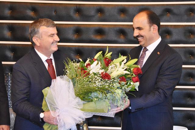 Konya Büyükşehir Belediyesi'nde yeni başkan göreve başladı
