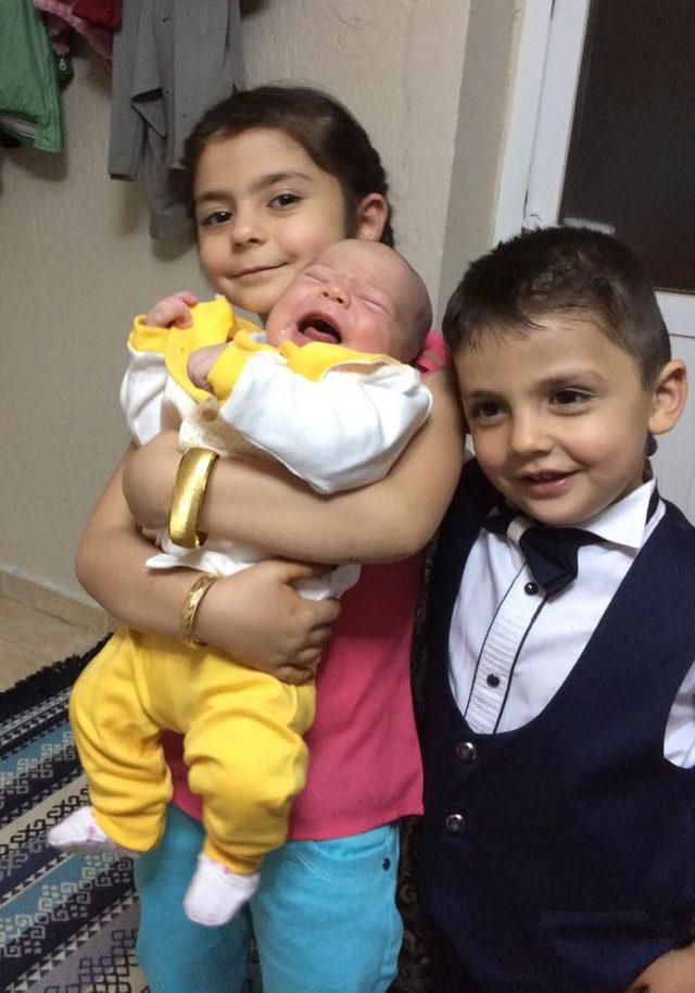 Minik Abdülvahap, yuttuğu oyuncakla 6 ay yaşadı