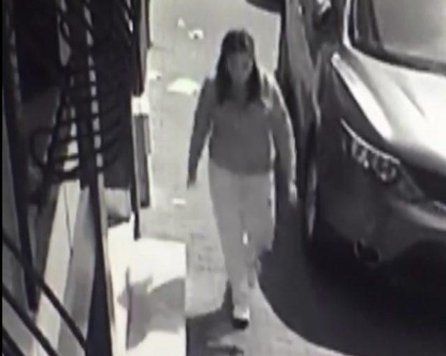 Esenler'de bebeğin sokağa bırakılma anı kamerada