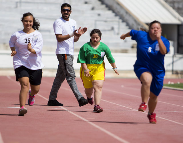 Uluslararası Özel Atletizm Oyunları KKTC'de başladı.