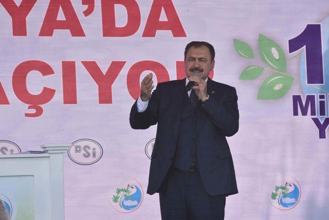 Bakan Eroğlu: Erbakan bunların hepsini tokatlardı
