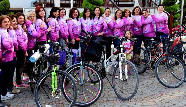 Mor pedallar, 'Türk Kadınının Zaferi' için çevrilecek