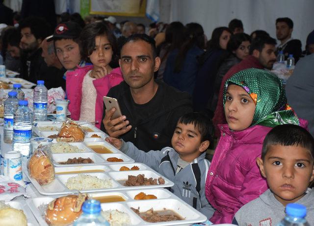 Sivas'ta 2 bin kişi iftar çadırında buluştu