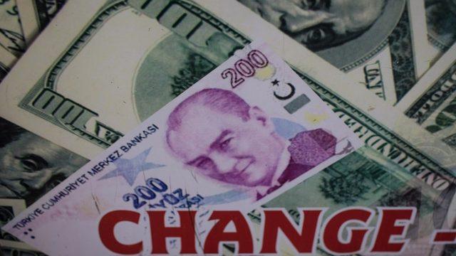 TL ve Dolar banknotları