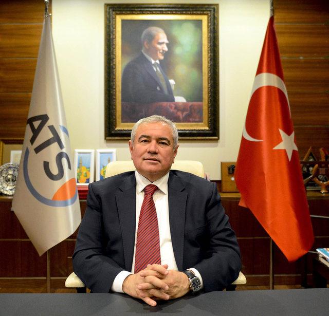 Antalya'daki AVM'ler bayramın ilk günü kapalı