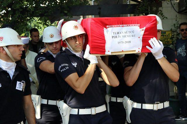 Kalp krizinden ölen polis memuru toprağa verildi
