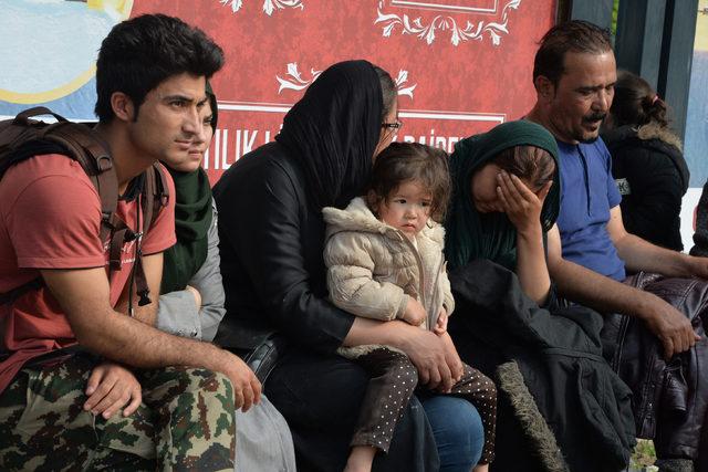 Afgan Sığınmacıları, Ankara Yerine Adana'ya Bıraktılar ile ilgili görsel sonucu