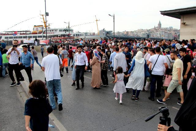 ek fotoğraflar// İstanbul'da bayram yoğunluğu