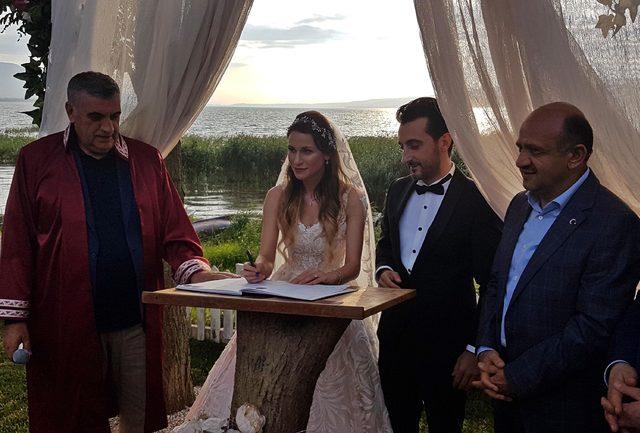 Başbakan Yardımcısı Işık nikah şahidi oldu
