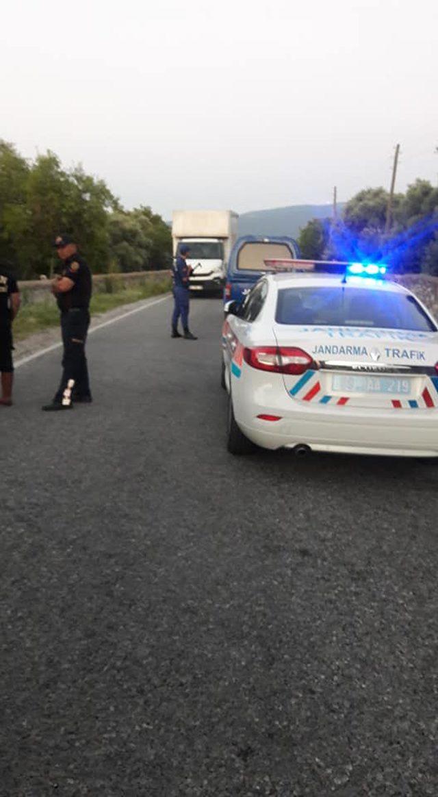 Kamyon ile çarpışan motosikletin sürücüsü öldü