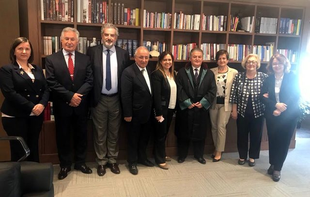 FETÖ mağduru eski askeri hakim ve savcı Ahmet Zeki Üçok, avukat oldu