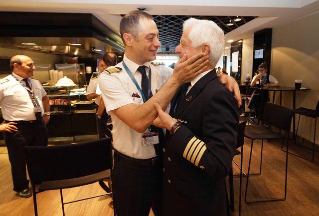 45 yıllık pilottan göklere duygusal veda