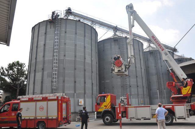 Buğday silosuna düşen işçi öldü