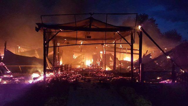 Sapanca'da 10 işyerini yaktığı iddia edilen şüpheli, adliyede