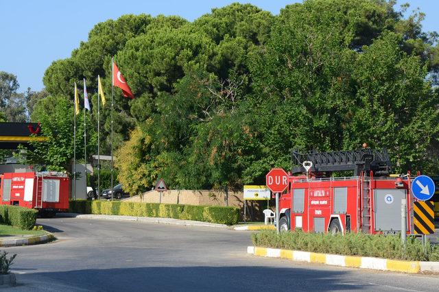 Antalya'da 5 yıldızlı otelde yangın çıktı, 20 kişi dumandan etkilendi