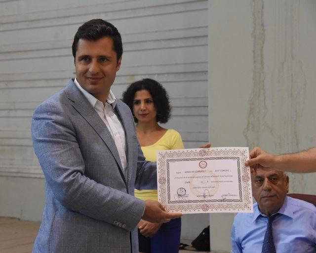 Kılıçdaroğlu'nun mazbatasını CHP İzmir İl Başkanı Yücel aldı