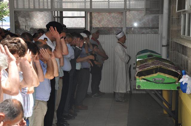 Buğday silosunda ölen işçi toprağa verildi; 3 kişi gözaltına alındı