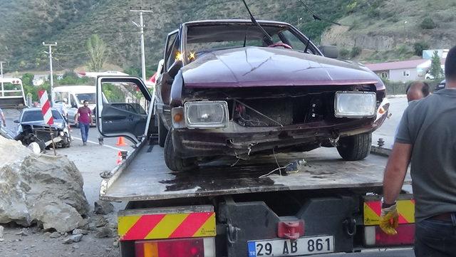 Gümüşhane'de, 2 otomobil çarpıştı: 7 yaralı