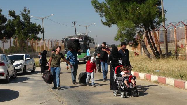 Bayram ziyaretine giden 16 bin Suriyeli döndü