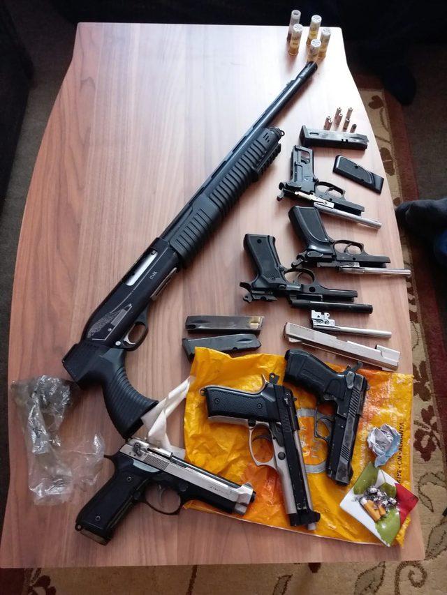 Bursa merkezli 14 ilde silah kaçıkcılığı operasyonu (2)