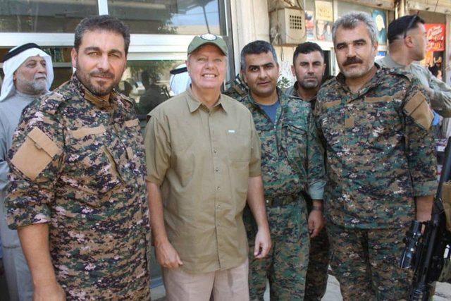 Erdoğan'la görüşen ABD'li senatörlerden Menbiç'e ziyaret
