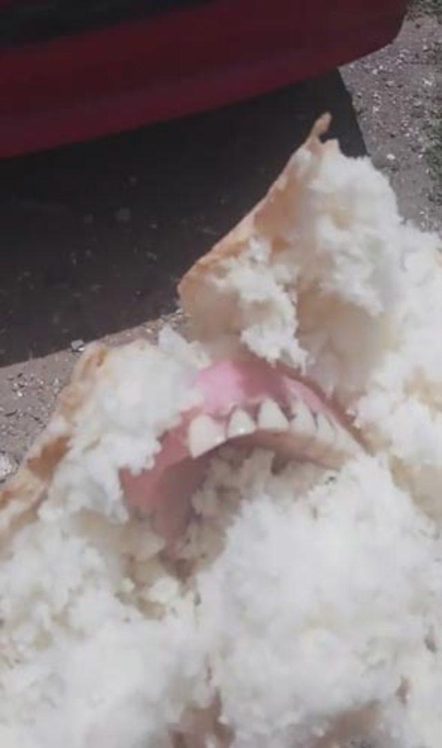 'Ekmekten diş protezi çıktı' iddiası