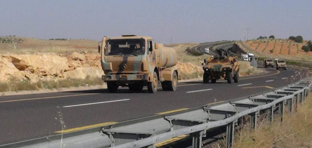 Şanlıurfa'dan Suriye sınırına askeri sevkiyat