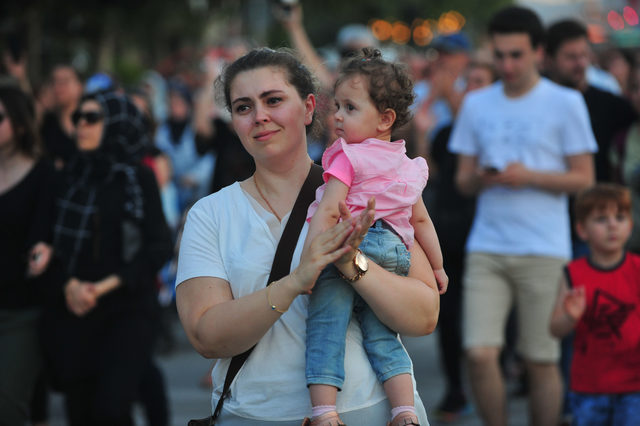 Bursa'da çocuk istismarına karşı 15 bin kişi yürüdü
