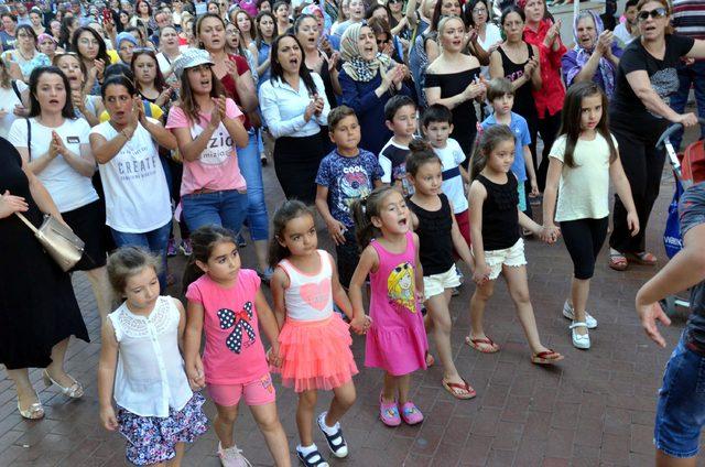 Nazilli'de çocuk cinayetleri ve istismarları protesto edildi