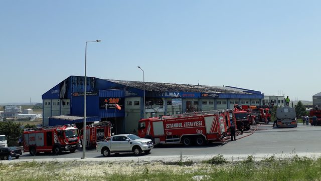 Ek fotoğraflar //Hadımköy'de fabrika yangını