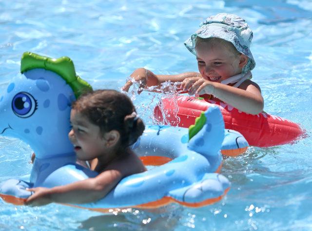 Antalya'da kavurucu sıcak