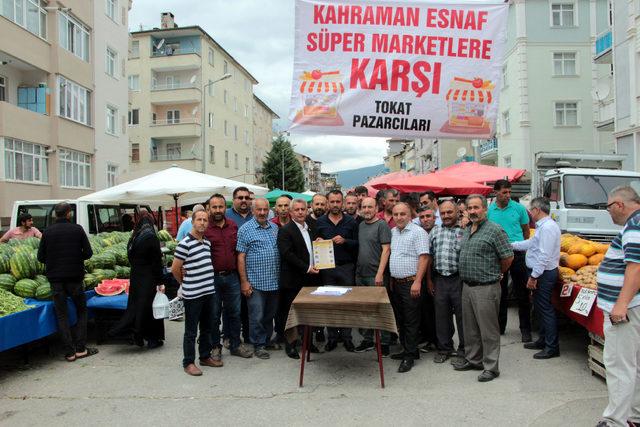 Tokat'ta 'Kahraman esnaf süpermarkete karşı'