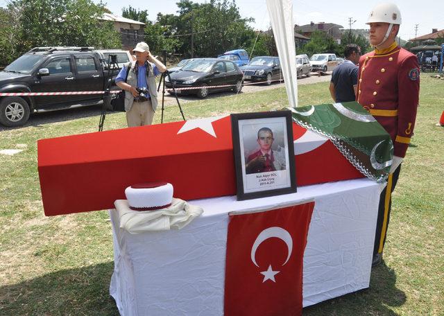 Astsubay Bol, memleketi Ankara'da son yolculuğuna uğurlandı