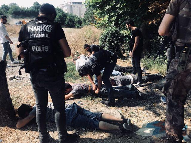(Geniş haber) - Üsküdar'da uyuşturucu operasyonu