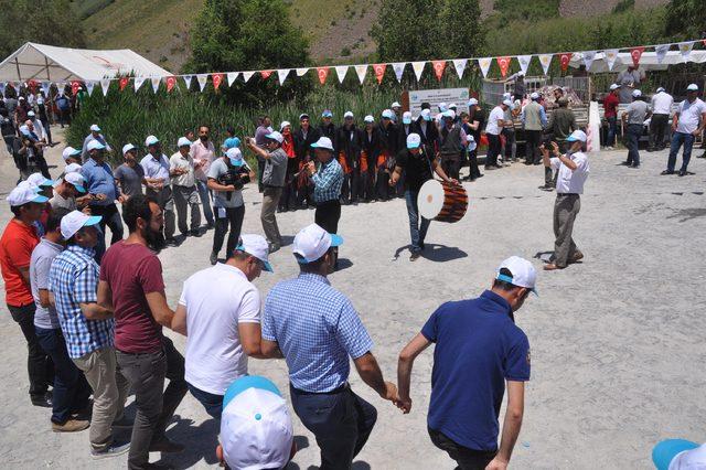 Bitlis'te 2 bin 500 metre yükseklikte şenlik coşkusu