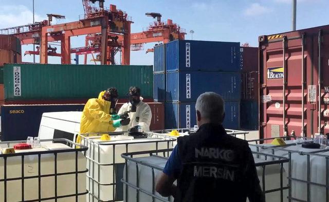 Mersin Limanı'nda, 7,5 ton eroin üretiminde kullanılacak asetik anhidrit ele geçirildi