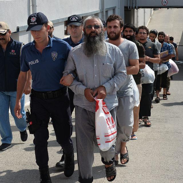 Operasyonda yakalanan DEAŞ üyeleri, yaralı Suriyelileri dolandırmış