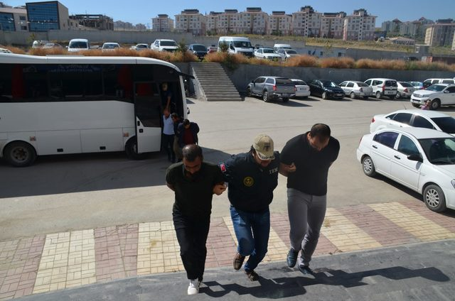 Van'da terör propagandası yapan 12 kişi gözaltında