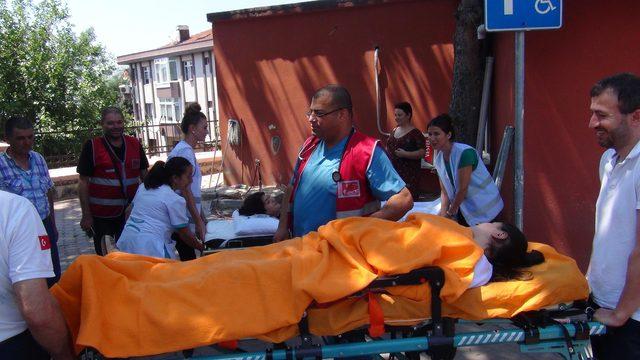 Şile Devlet Hastanesi'nde deprem ve yangın tatbikatı yapıldı.