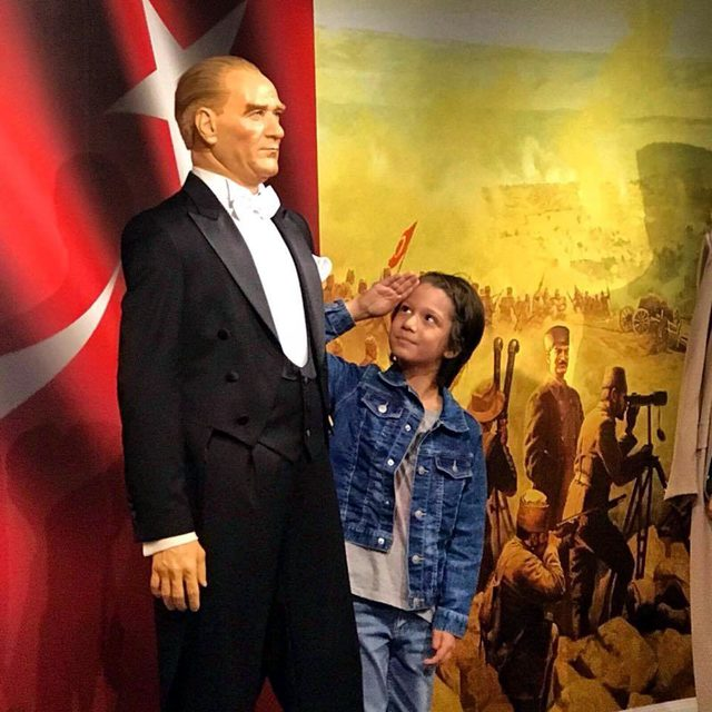 Tren kazasında ölen Oğuz Arda ile babasının cenazeleri, Edirne'de toprağa verildi
