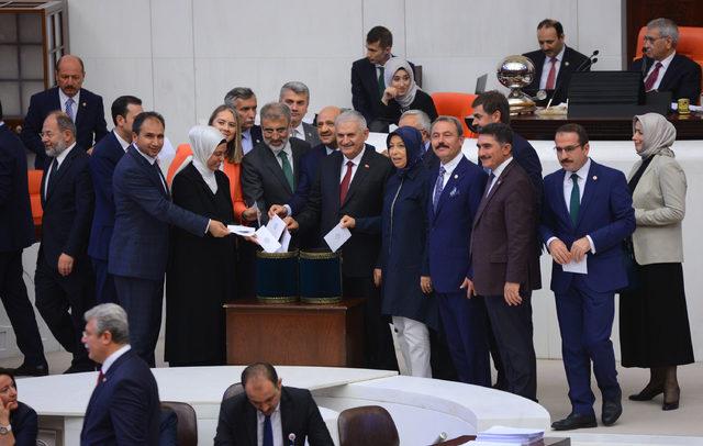 Meclis Başkanlığı için oy verme işlemi başladı (3)
