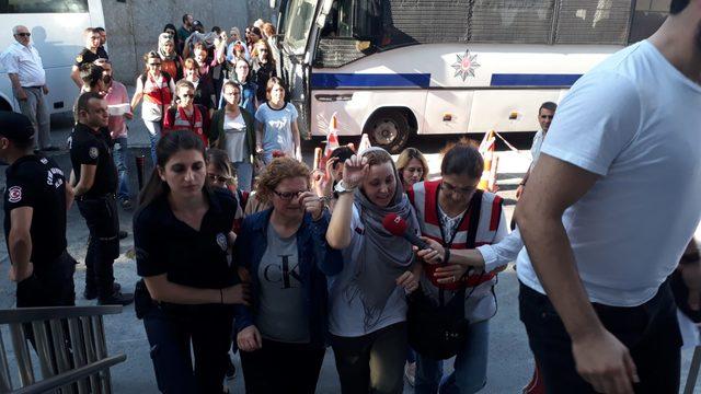 Adnan Oktar'a operasyon: Gözaltına alınan kadınlar sağlık kontrolünden geçirildi
