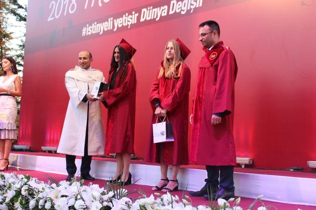 Muharrem Usta'dan dereceyle mezun olan öğrencilere iş müjdesi