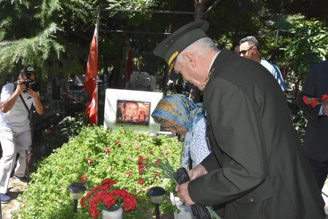 Şehitler İzmir'de de anıldı