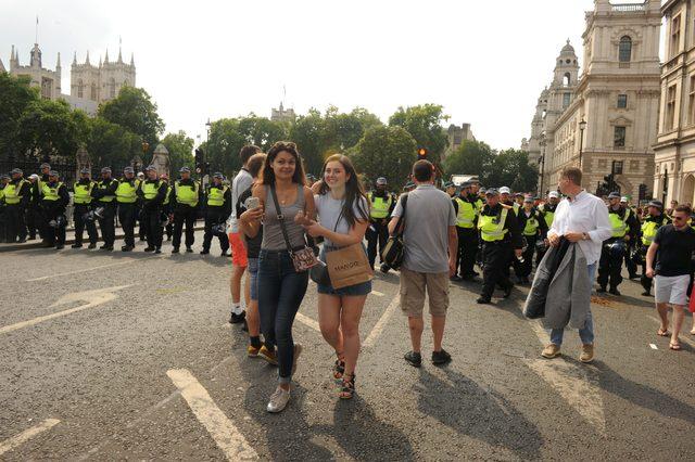 Londra'da Tommy Robinson'ın serbest bırakkılması için gösteriler düzenlendi