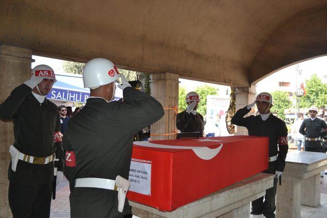 Kazada hayatını kaybeden astsubay son yolculuğuna uğurlandı