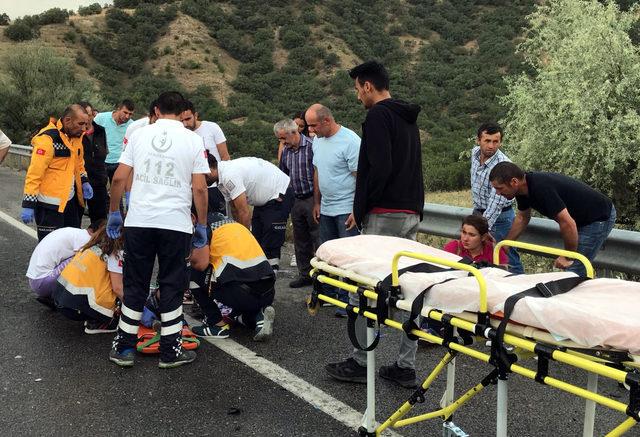 Takla atan otomobil, başka bir otomobilin üzerine düştü: 2 ölü, 7 yaralı